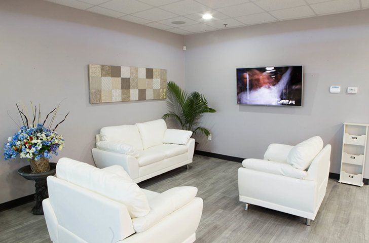 Well appointment dental waiting area
